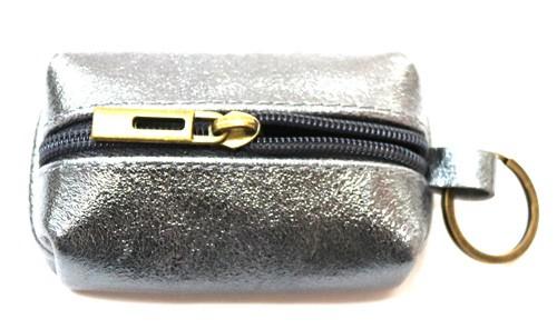 Schlüsselanhänger mit  Mini  Tasche aus Leder  Art.-Nr. MM02-901